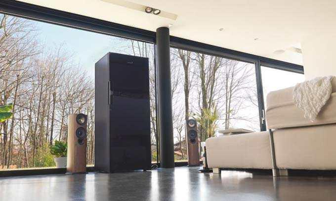 EuroCave Pure Wine Cabinet Fridge Black Piano Door