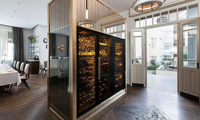 EuroCave-ShowCave-Wine-Cabinets-Norman-Hotel