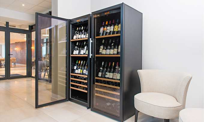 EuroCave Professional Series 6000 Wine Cabinets Fridges to store and display wine in restaurant