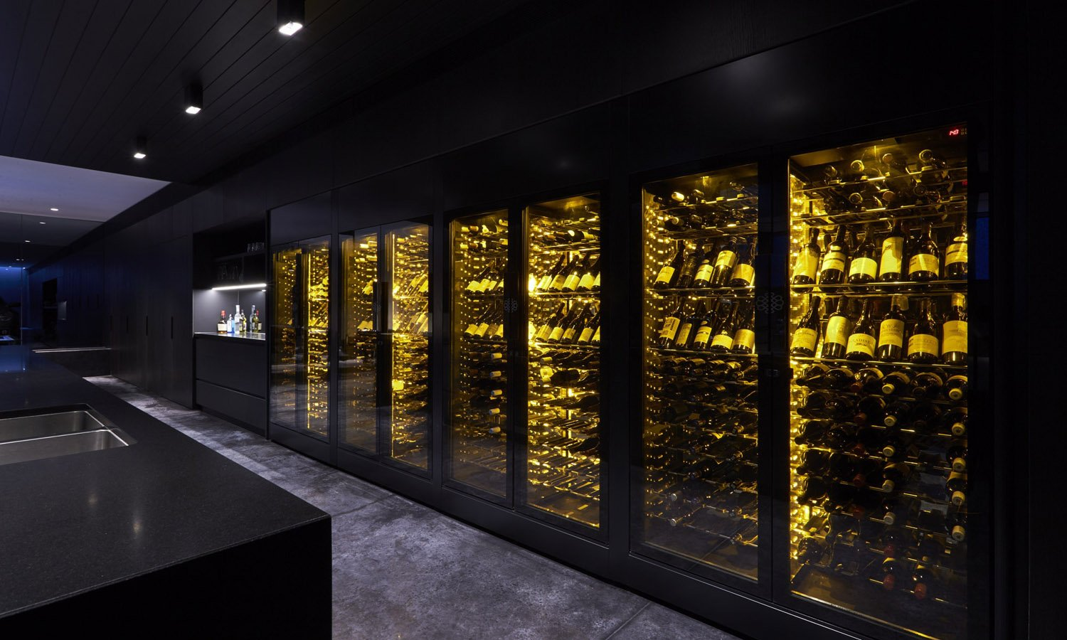 EuroCave_ShowCave_Wine_Cabinets_Wine_Wall
