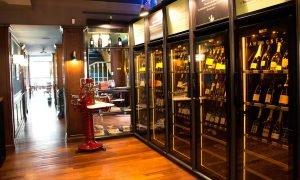 EuroCave-Revelation-Wine-Cabinets-for-Hospitality-LES-PHILOSOPHES