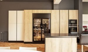 EuroCave-ShowCave-Wine-Cabinet-in-Kitchen-Bordeaux-01